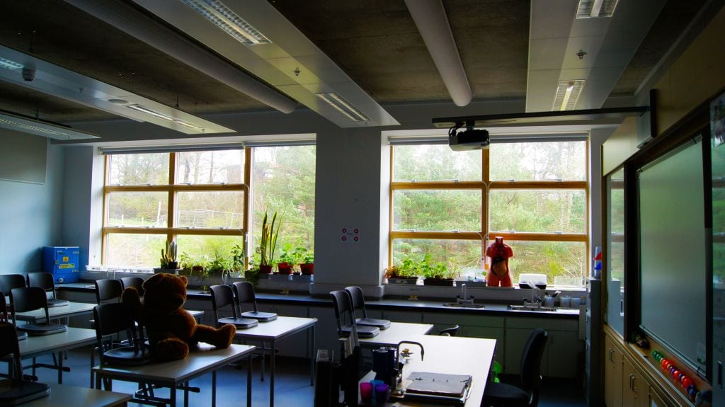 air ventilation systems in science classroom