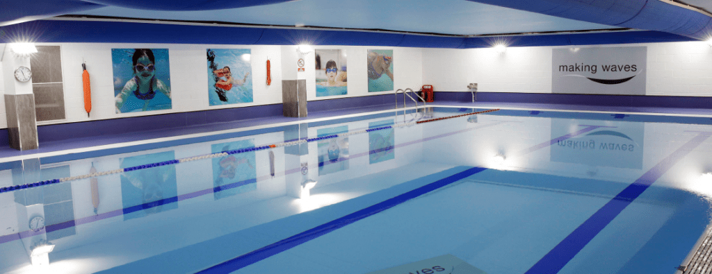 Swimming pool with textile ducts.